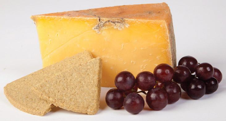 Auld Lochnagar Aged Cheddar Cheese